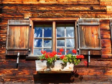 window-63249_960_720